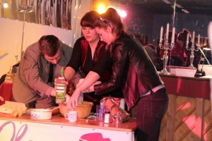 Die Gäste kochen - Pelmeni