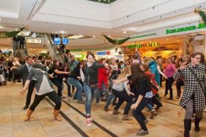 OhT Time Warp Flashmob Altmarkt-Galerie