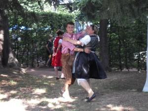 Tänzchen im Park